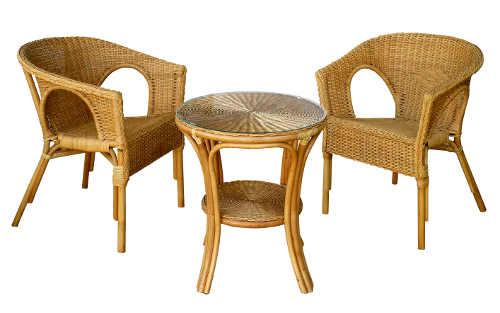 Posezení na balkon z bambusu a ratanu - dvě křesla a stůl