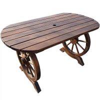 Dřevěný zahradní stůl v rustikálním stylu