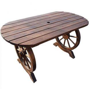 Dřevěný stůl v rustikálním stylu